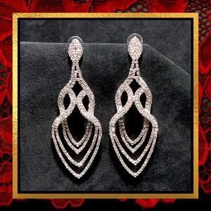 Jewelry - Long Fancy Oval Drop Rhinestone Earrings #739